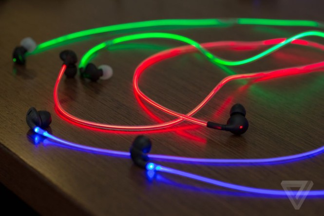 glow-earbuds-0281.0