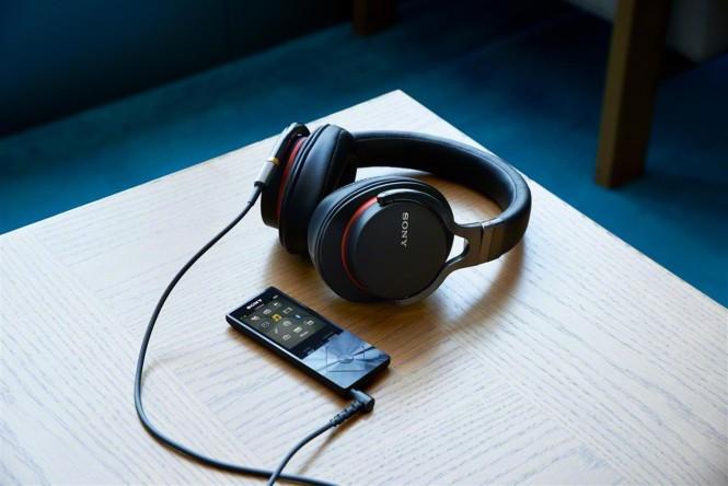 MDR-1A_Walkman A15