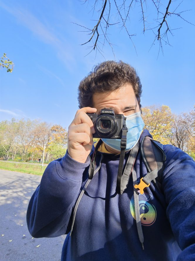Wide Selfie